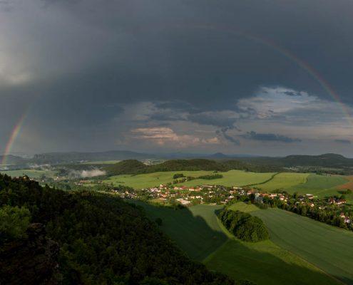 Regenbogen im Elbsandsteingebirge