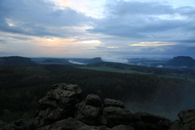 Magische Momenten beim Fotokurs Landschaftsfotografie in der Sächsischen Schweiz auf dem Gohrischstein mit Foto-Wandern.com © Mario Bussmann