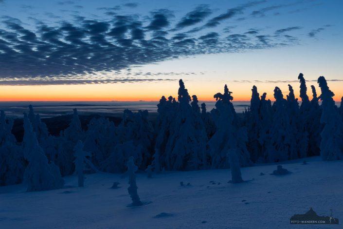 vor Sonnenaufgang auf dem Brocken im Harz