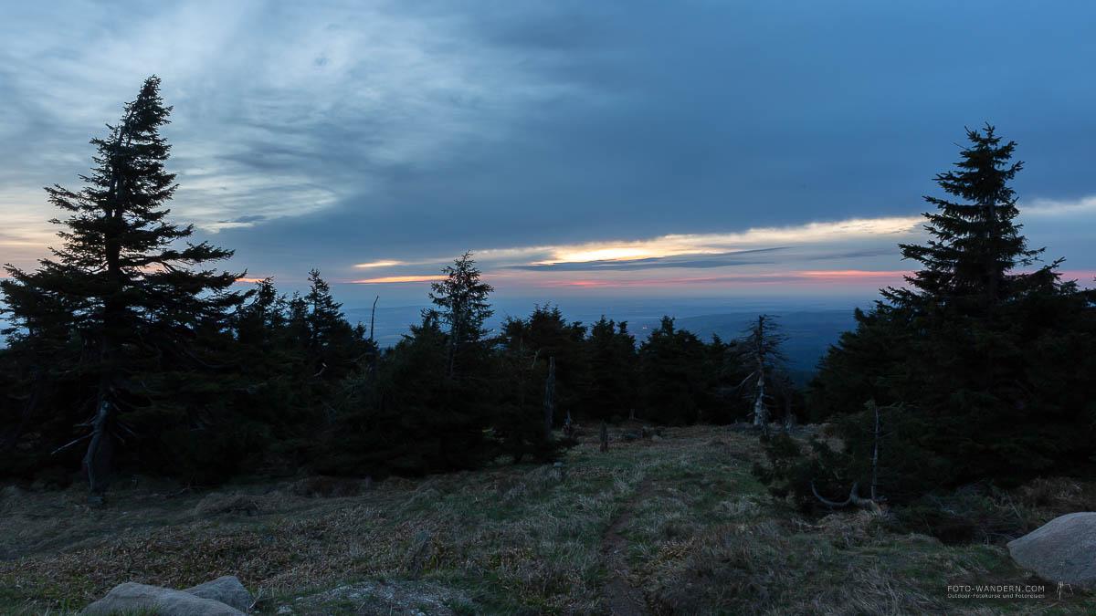 Harzer Gipfeltour -Blaue Stunde auf dem Brocken