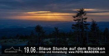 Sonnenuntergang und Blaue Stunde auf dem Brocken
